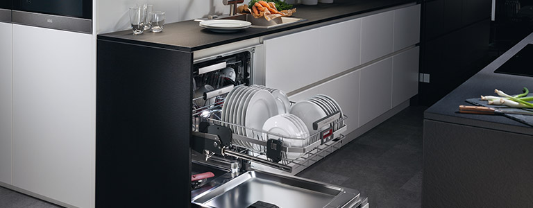 Get 10% Cashback when you buy the AEG ComfortLift Dishwasher from Currys